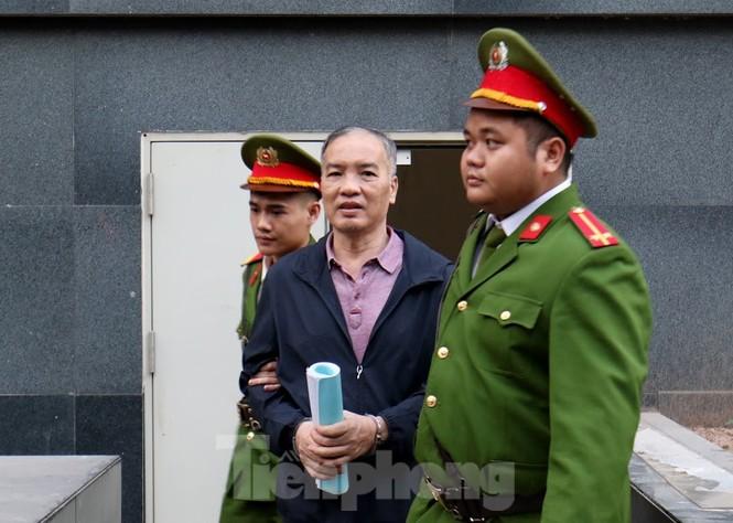 Kiểm sát viên: 'Ông Nguyễn Bắc Son phải là tấm gương đạo đức nhưng lại tha hóa' - ảnh 2