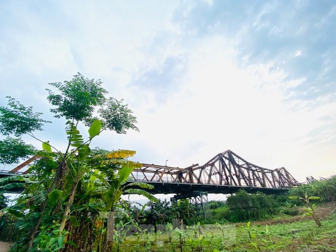 Nườm nượp người tập thể dục trên cầu Long Biên chiều cuối tuần - ảnh 15