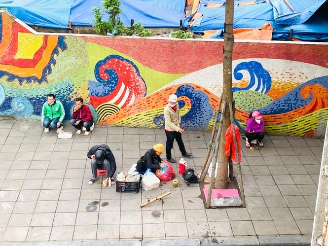 Nườm nượp người tập thể dục trên cầu Long Biên chiều cuối tuần - ảnh 14