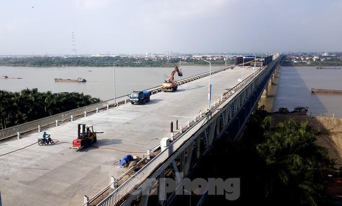 Mặt cầu Thăng Long đang được sửa ra sao? - ảnh 3