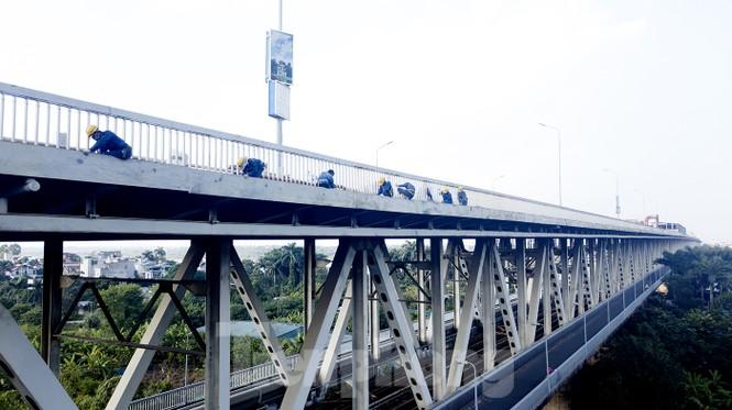 Mặt cầu Thăng Long đang được sửa ra sao? - ảnh 6