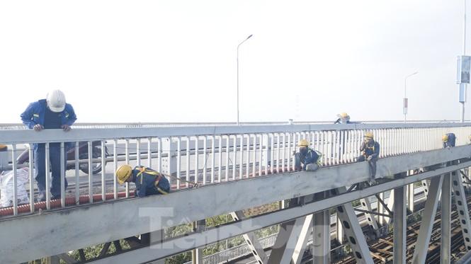 Mặt cầu Thăng Long đang được sửa ra sao? - ảnh 8