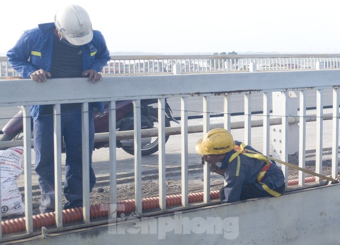 Mặt cầu Thăng Long đang được sửa ra sao? - ảnh 5