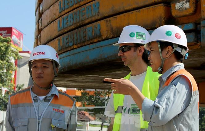 Cận cảnh lắp ráp robot đào hầm 'khủng' nặng 850 tấn thi công Metro Nhổn - ga Hà Nội - ảnh 6