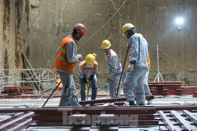 Cận cảnh lắp ráp robot đào hầm 'khủng' nặng 850 tấn thi công Metro Nhổn - ga Hà Nội - ảnh 5