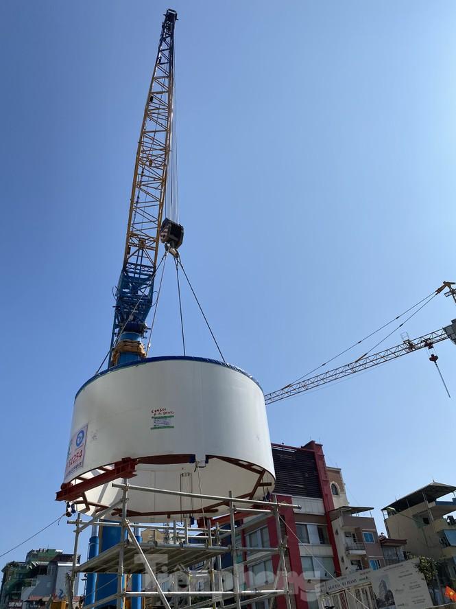 Cận cảnh lắp ráp robot đào hầm 'khủng' nặng 850 tấn thi công Metro Nhổn - ga Hà Nội - ảnh 9