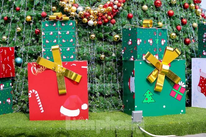 Mùa Giáng sinh về trên đường phố Hà Nội - ảnh 8