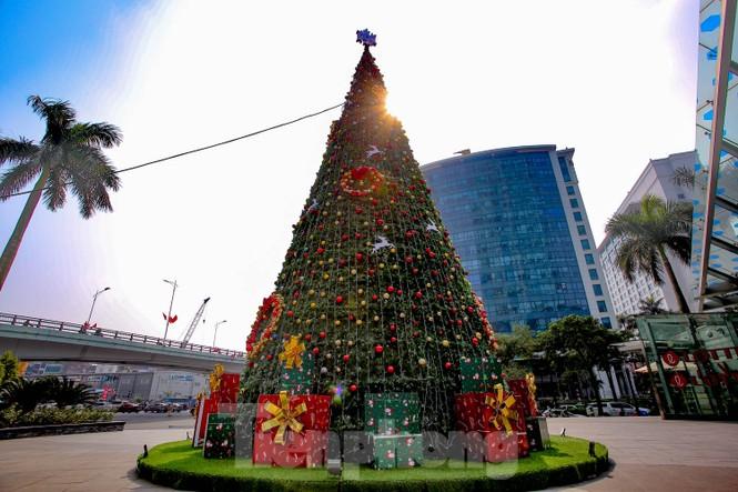 Mùa Giáng sinh về trên đường phố Hà Nội - ảnh 7