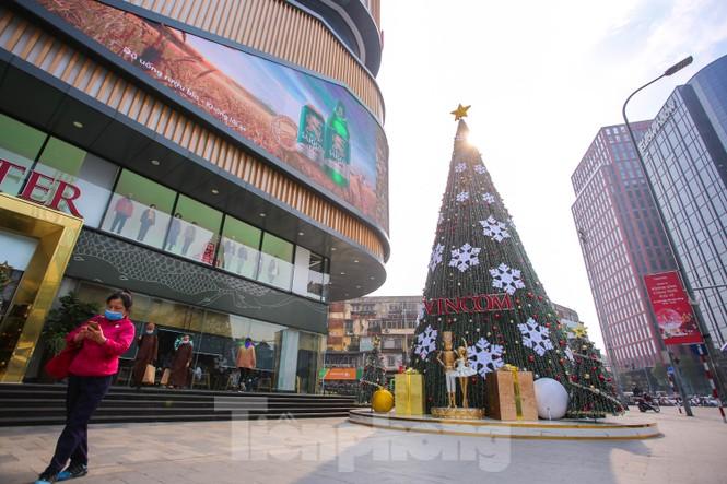 Mùa Giáng sinh về trên đường phố Hà Nội - ảnh 16