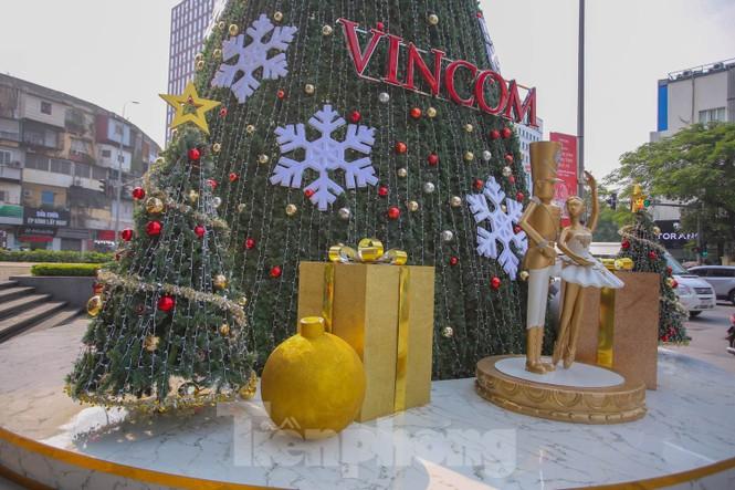 Mùa Giáng sinh về trên đường phố Hà Nội - ảnh 18
