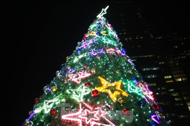 Mùa Giáng sinh về trên đường phố Hà Nội - ảnh 6