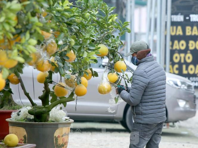 Cuộc sống đảo lộn của người lao động Thủ đô trong ngày lạnh nhất từ đầu mùa - ảnh 7