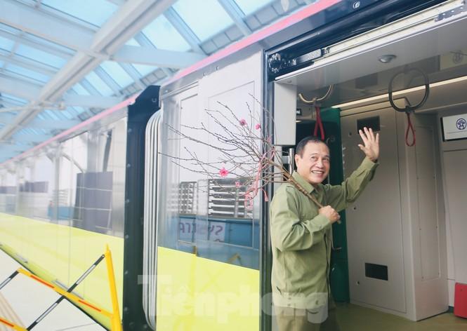 Có gì bên trong đoàn tàu metro Nhổn - ga Hà Nội? - ảnh 14
