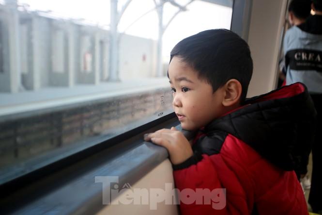Có gì bên trong đoàn tàu metro Nhổn - ga Hà Nội? - ảnh 11