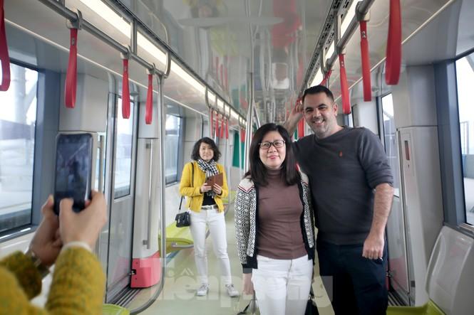 Có gì bên trong đoàn tàu metro Nhổn - ga Hà Nội? - ảnh 12