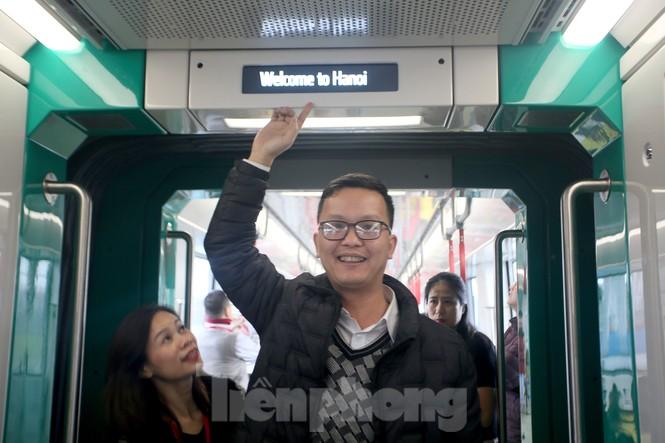 Có gì bên trong đoàn tàu metro Nhổn - ga Hà Nội? - ảnh 5