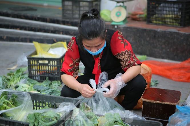 Nhóm tình nguyện giải cứu 30 tấn nông sản từ Hải Dương xuống phố Hà Nội - ảnh 10