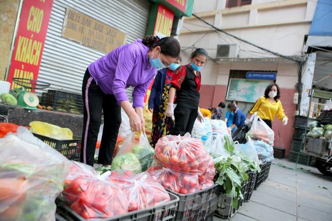 Nhóm tình nguyện giải cứu 30 tấn nông sản từ Hải Dương xuống phố Hà Nội - ảnh 7
