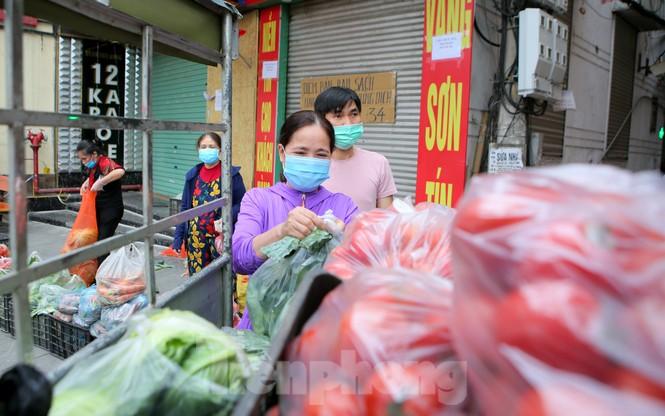 Nhóm tình nguyện giải cứu 30 tấn nông sản từ Hải Dương xuống phố Hà Nội - ảnh 8