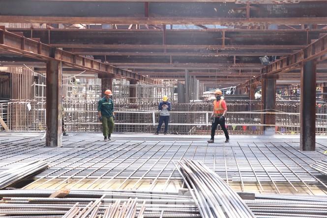 Ngắm kiến trúc sang chảnh, lung linh của Ga ngầm Nhà hát Thành phố thuộc tuyến Metro số 1 - ảnh 5