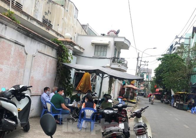 TPHCM: Phong tỏa, cách ly ngôi nhà người phụ nữ nhập cảnh 'chui' ở Q.Tân Phú - ảnh 2