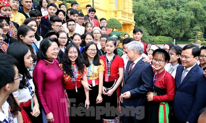 Phó Chủ tịch nước gặp gỡ 120 gương dân tộc thiểu số xuất sắc năm 2019 - ảnh 1
