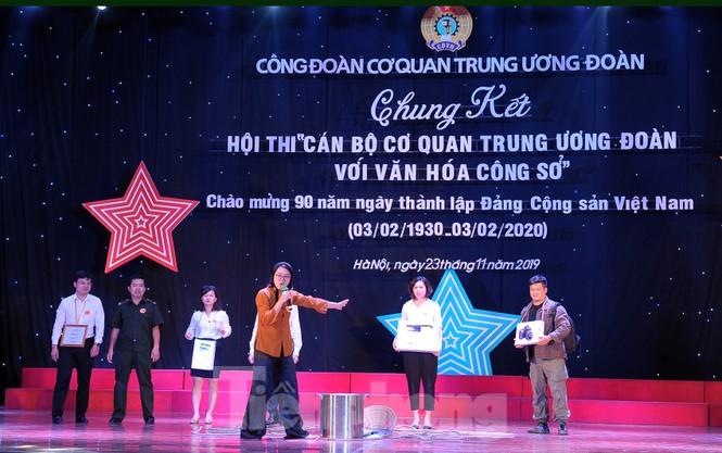 Hiện tượng 'siêu to khổng lồ', Táo quân lên sân khấu hội thi văn hóa công sở - ảnh 1
