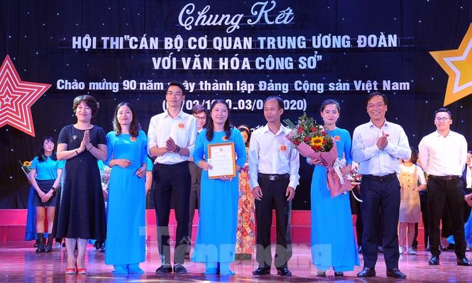 Hiện tượng 'siêu to khổng lồ', Táo quân lên sân khấu hội thi văn hóa công sở - ảnh 12