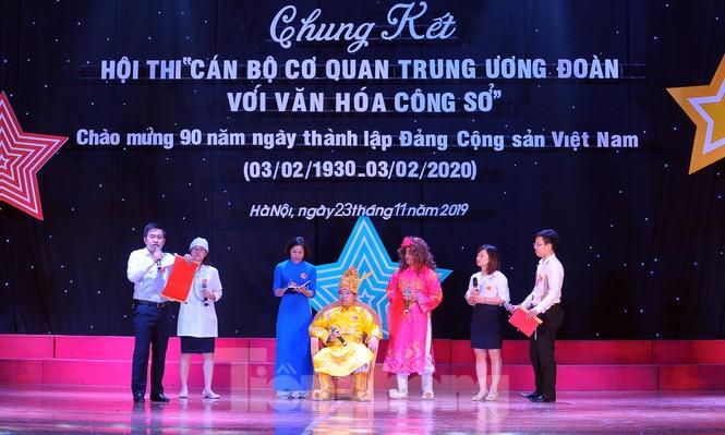 Hiện tượng 'siêu to khổng lồ', Táo quân lên sân khấu hội thi văn hóa công sở - ảnh 9