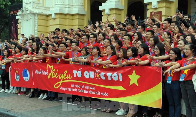 Trí thức trẻ Việt Nam toàn cầu tụ hội tham gia hành trình 'Tôi yêu Tổ quốc tôi' - ảnh 11