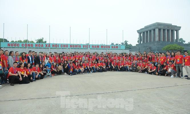 Trí thức trẻ Việt Nam toàn cầu tụ hội tham gia hành trình 'Tôi yêu Tổ quốc tôi' - ảnh 9