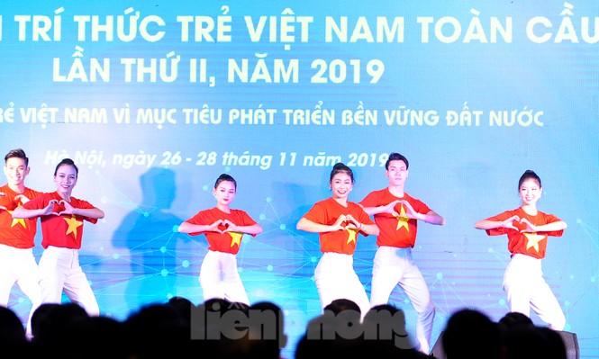 Toàn cảnh lễ khai mạc Diễn đàn Trí thức trẻ Việt Nam toàn cầu lần thứ II - ảnh 1
