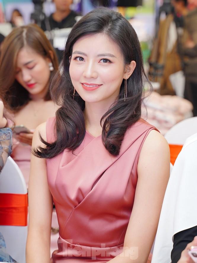 Hotgirl Việt khoe sắc cùng Hoa hậu Hàn Quốc  - ảnh 3