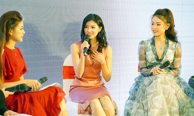 Hotgirl Việt khoe sắc cùng Hoa hậu Hàn Quốc  - ảnh 4