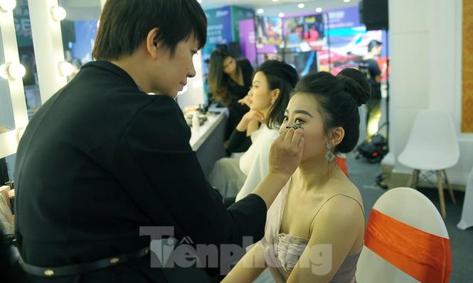 Hotgirl Việt khoe sắc cùng Hoa hậu Hàn Quốc  - ảnh 8