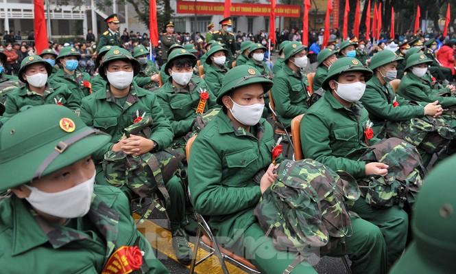 Phòng dịch bệnh, tân binh đeo khẩu trang lên đường nhập ngũ - ảnh 4