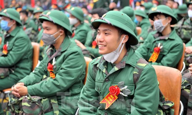 Phòng dịch bệnh, tân binh đeo khẩu trang lên đường nhập ngũ - ảnh 5