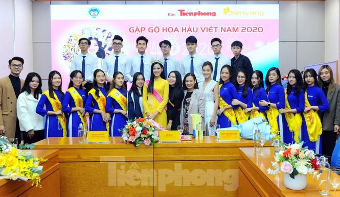 Hoa hậu Việt Nam 2020 Đỗ Thị Hà và lời hứa 'mời cả lớp đi du thuyền' - ảnh 8