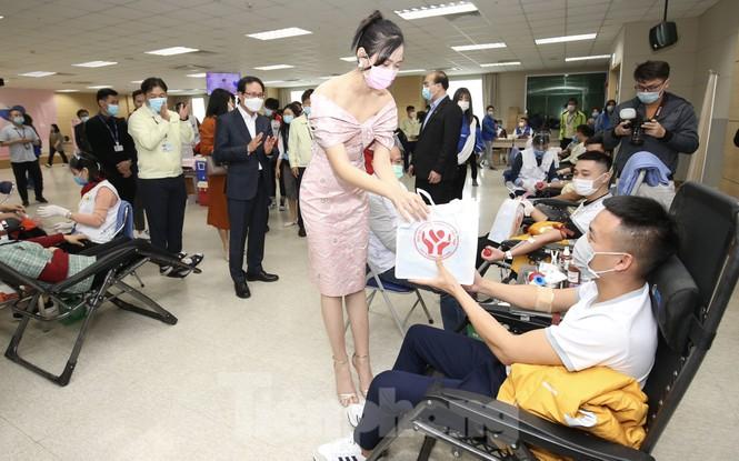 Samsung Thái Nguyên sôi động hiến máu hưởng ứng chương trình Chủ nhật Đỏ 2021 - ảnh 10
