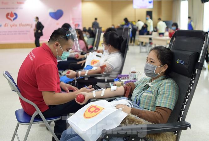 Samsung Thái Nguyên sôi động hiến máu hưởng ứng chương trình Chủ nhật Đỏ 2021 - ảnh 8