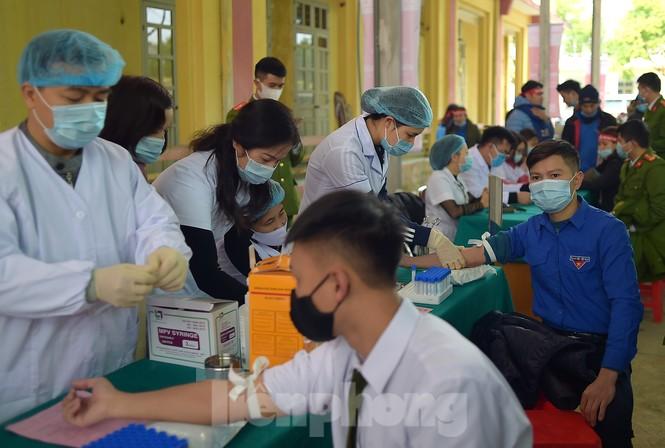Tuổi trẻ Yên Bái xua tan giá rét, hiến máu cứu người - ảnh 9