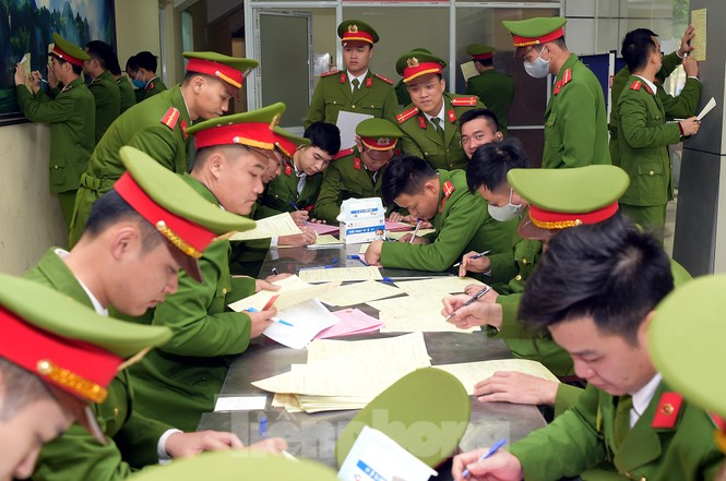 'Bóng hồng' Học viện Cảnh sát Nhân dân sẻ chia giọt hồng lan tỏa Chủ nhật Đỏ - ảnh 7