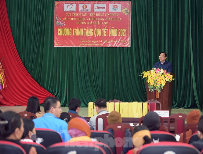 Hoa hậu Đỗ Thị Hà đồng hành mang Tết sớm đến các hộ khó khăn xứ Thanh - ảnh 1