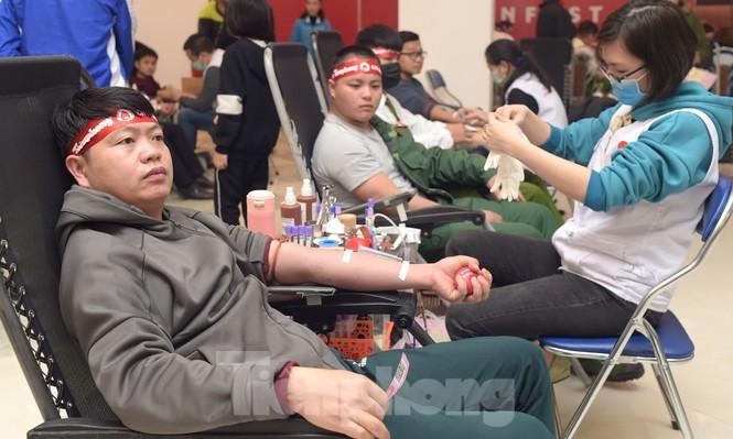 Chủ nhật Đỏ tại Hòa Bình tiếp nhận đơn vị máu vượt dự kiến - ảnh 12