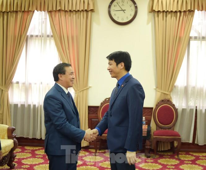 Ban Bí thư T.Ư Đoàn làm việc với Đại sứ quán Lào về hợp tác thanh niên - ảnh 1