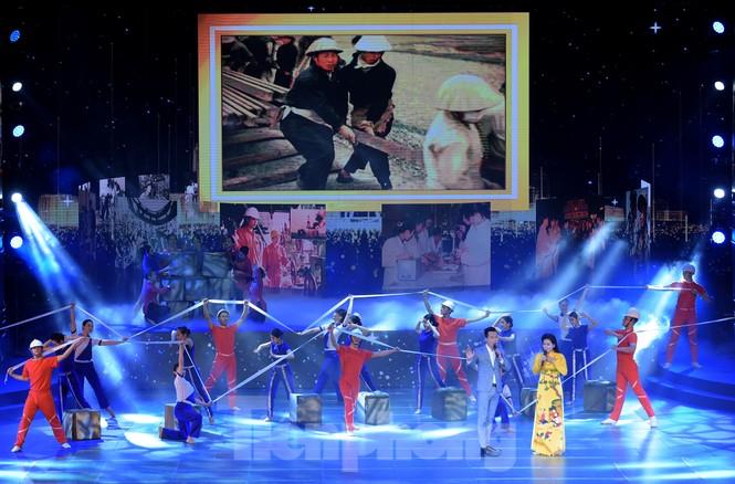 Những hình ảnh ấn tượng tại Lễ kỷ niệm 90 năm thành lập Đoàn TNCS Hồ Chí Minh - ảnh 4
