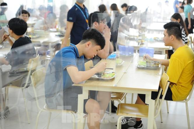 Bữa ăn bán trú của học sinh 'mùa Covid -19' - ảnh 10