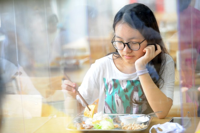 Bữa ăn bán trú của học sinh 'mùa Covid -19' - ảnh 12