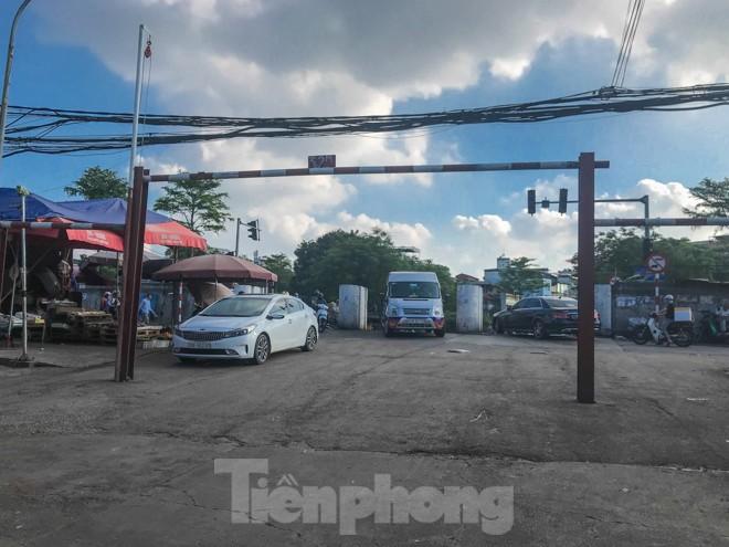 Chợ Long Biên ngày trùm bảo kê Hưng 'kính' nhận án 48 tháng tù - ảnh 4