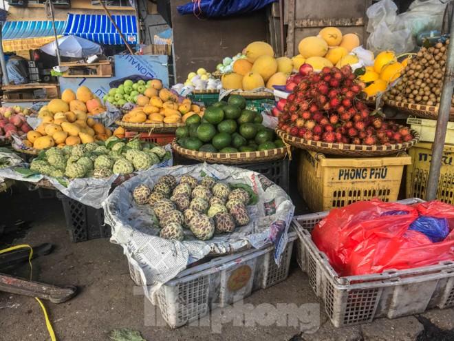 Chợ Long Biên ngày trùm bảo kê Hưng 'kính' nhận án 48 tháng tù - ảnh 10